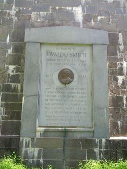 Monument close