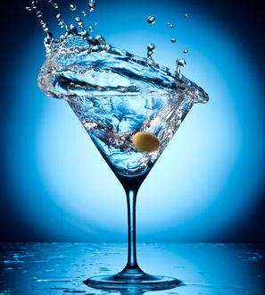 Martini Splash © volff - Fotolia.com cropped