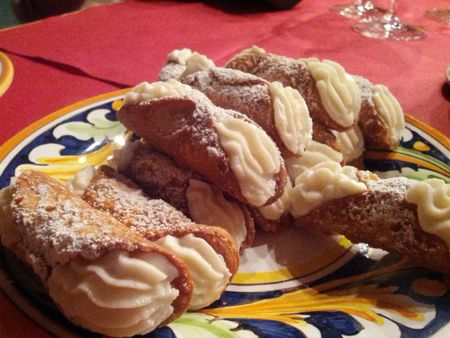 8 The Best Cannolis