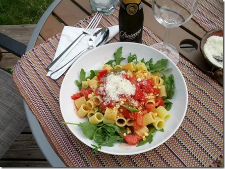 Raw Tomato Sauce over Delverde Mezze Rigatoni and Arugula