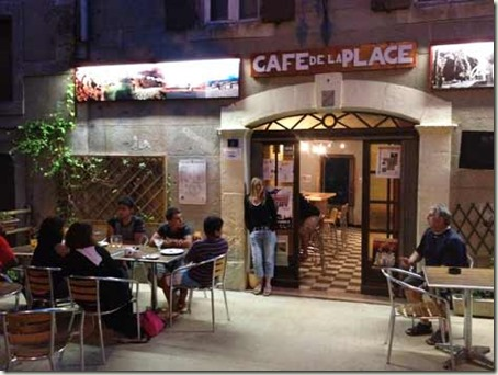 cafedelaplaceevening